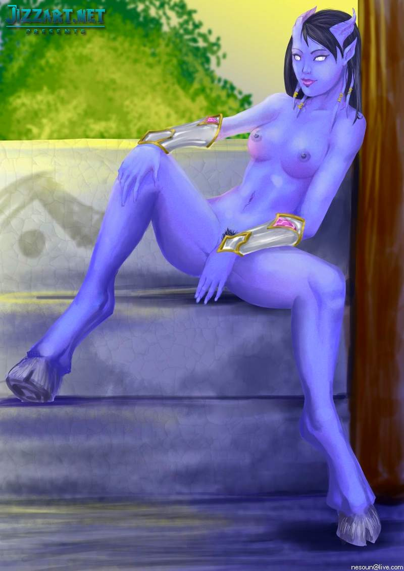 Sexy night elf female